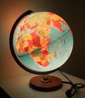 Globo Terraqueo con luz